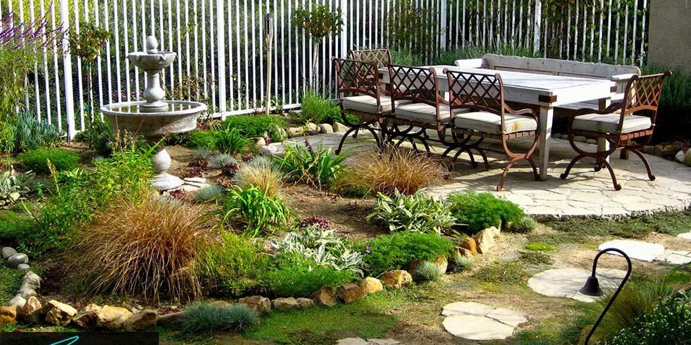 ایده های طراحی باغچه های حیاط منزل