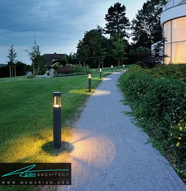چراغ های قدی و ایستاده از انواع چراغ های باغچه