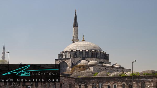 معماری مساجد ترکیه در مسجد رستم پاشا