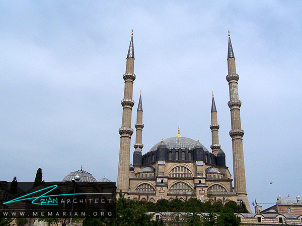 معماری مساجد ترکیه در مسجد سلیمیه در ادیرنه