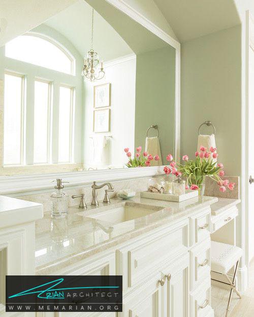 رنگ قاب آینه در حمام - 13 نمونه از زیباترین دکوراسیون حمام با آینه های بزرگ