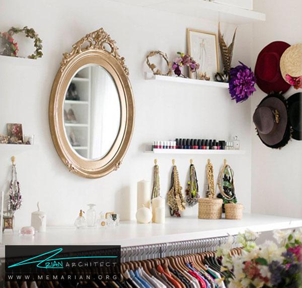 قفسه و آویزها در اتاق لباس - طراحی اتاق لباس در خانه مستلزم رعایت چه نکاتی است؟