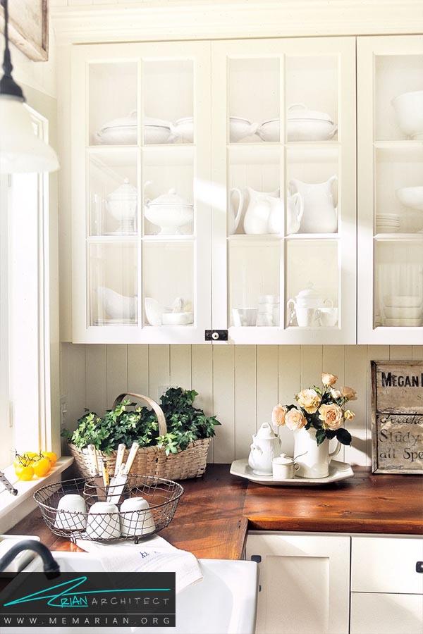 ترکیب صفحات چوبی با کابینت سفید -دکوراسیون رنگ سفید در آشپزخانه