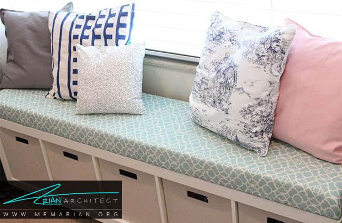 نصب یک نیمکت کشو دار در اتاق خواب برای استفاده بیشتر از فضای اتاق - نظم در دکوراسیون اتاق