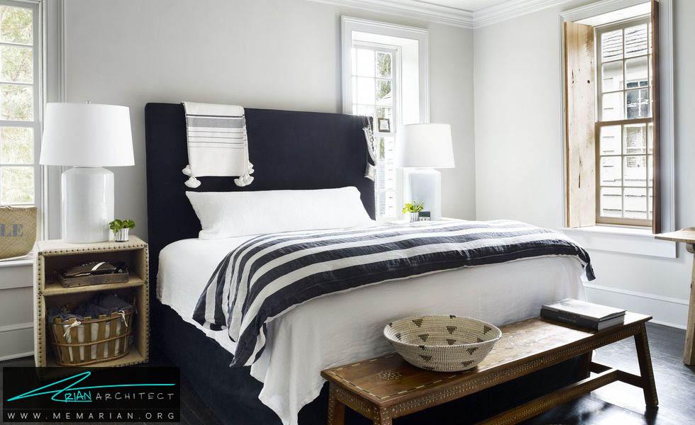 تخت خواب راحت و شیک در دل اتاقی زیبا- دکوراسیون سیاه و سفید برای اتاق خواب