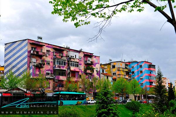 رنگ آمیزی سیاسی در تیرانا، آلبانی - محله های رنگارنگ