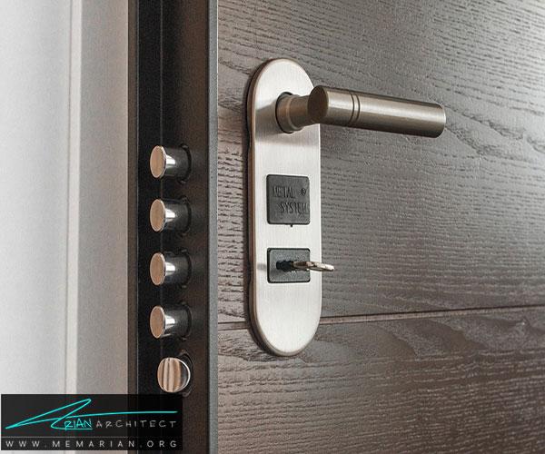 تمام درها و پنجرهها را قفل نگهدارید - محافظت از خانه