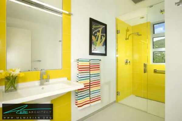 معماری توالت حمام با رنگ بندی زرد روشن -معماری دستشویی و حمام رنگارنگ