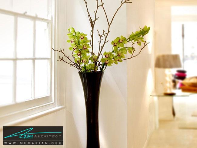 گلدان ها در جلوی پنجره - چگونگی استفاده از گلدان برای دکوراسیون داخلی