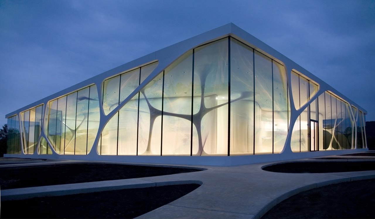 معرفی 12 سازه با معماری شیشه ای