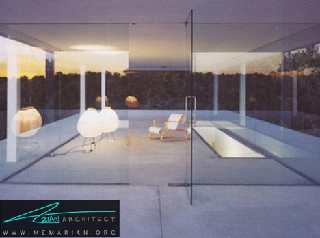 خانه شیشه ای بین کف و سقف بتنی - معماری خانه با فضای باز