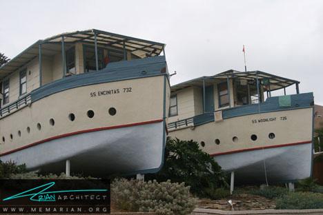 معماری خانه قایقی با استفاده از مواد بازیافتی - خانه ساحلی عجیب و غریب
