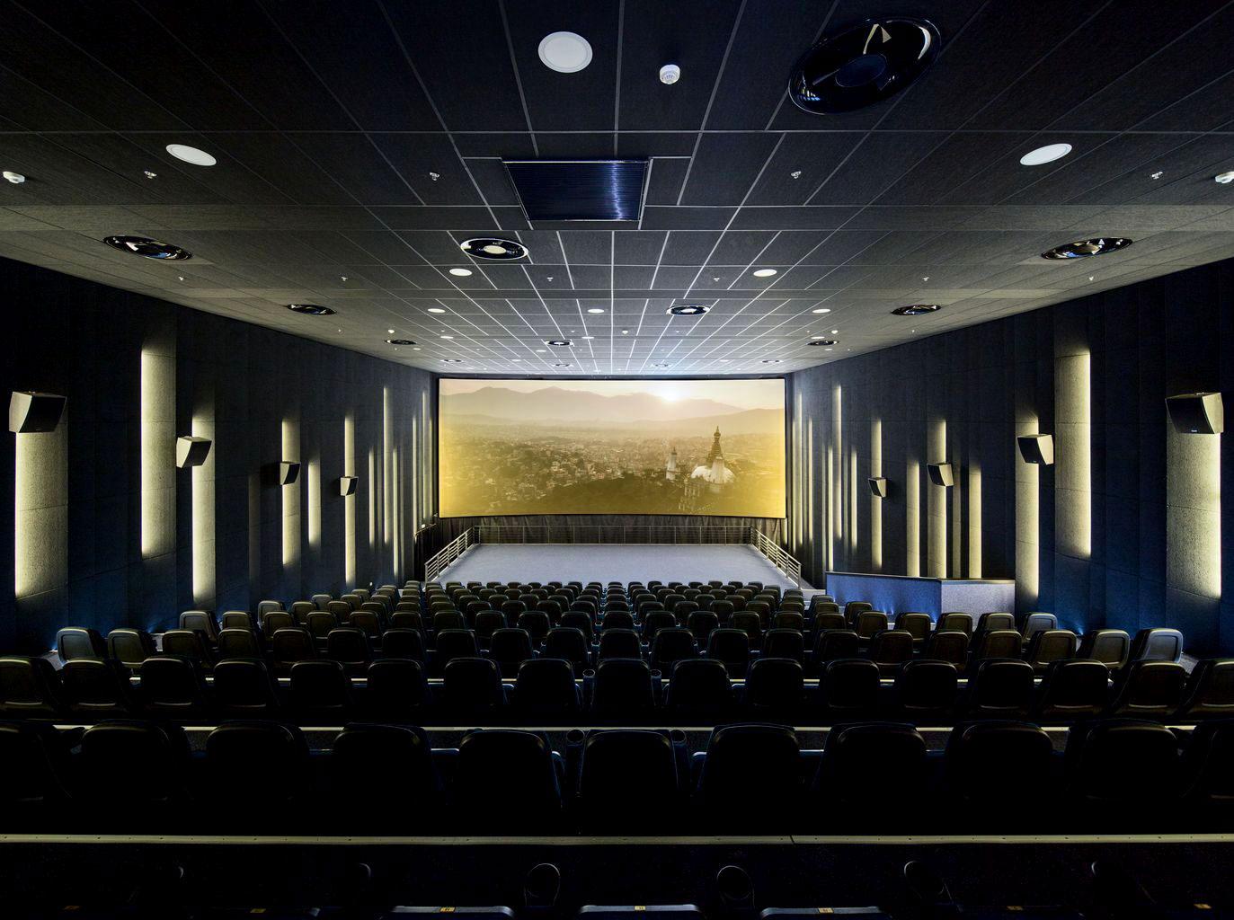 معماری نمای خارجی و طراحی فضای داخلی سینما