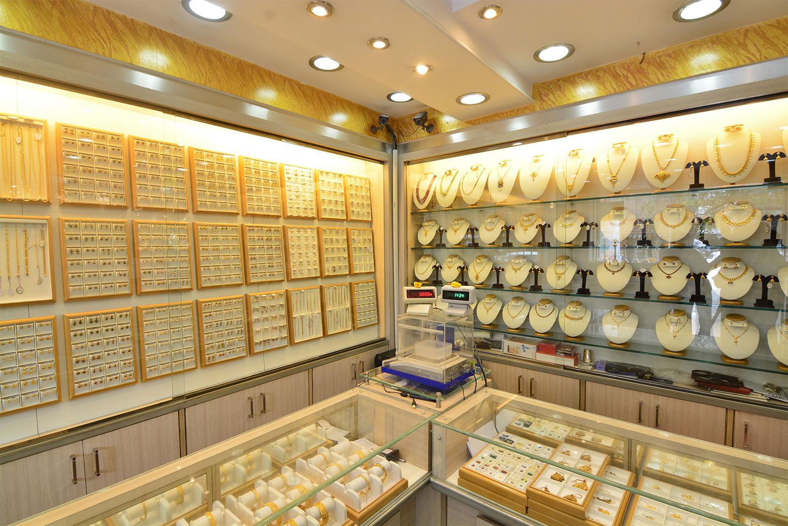طراحی دکوراسیون داخلی مغازه طلا فروشی