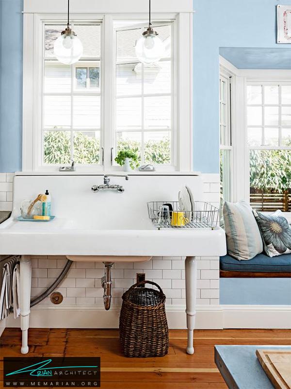 آشپزخانه سفید با ملزومات کاربردی -دکوراسیون آشپزخانه لوکس