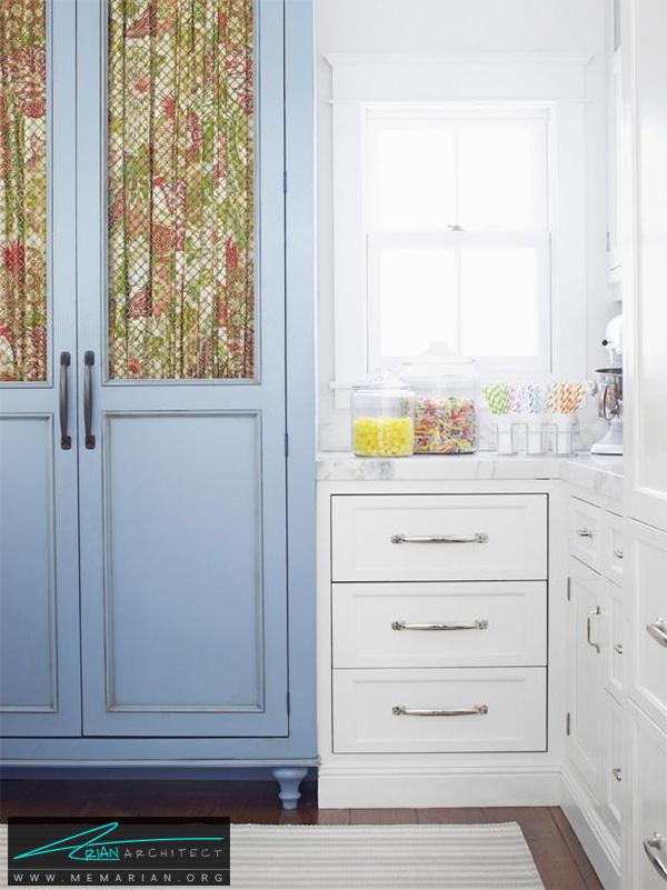 آشپزخانه سفید با درب آبی -دکوراسیون آشپزخانه لوکس