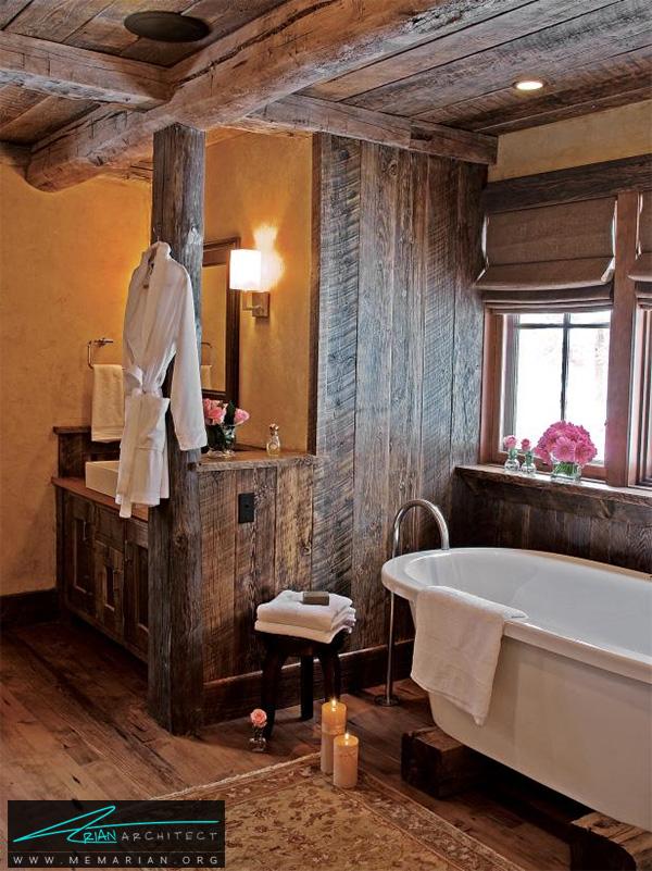 حمام در خانه روستایی با سقف و دیواره های چوبی -دکوراسیون حمام مدرن