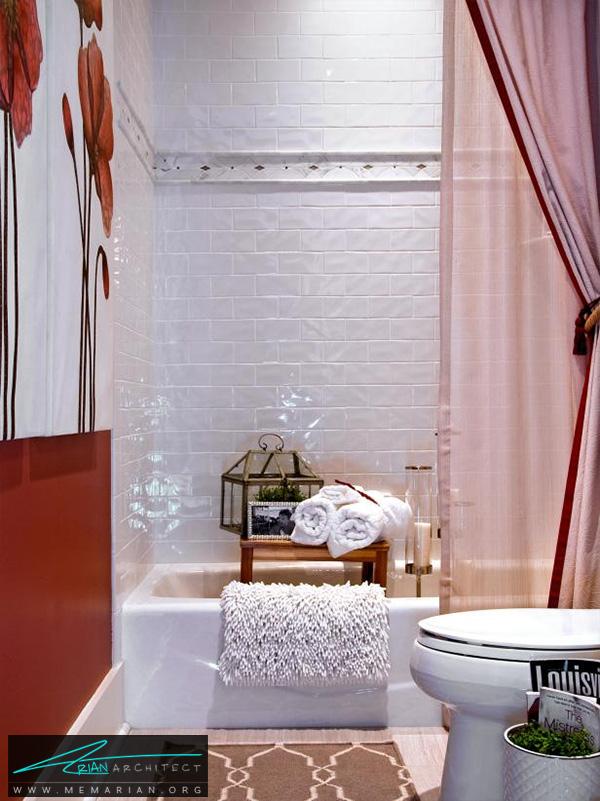 حمام ساده و زیبا با نقش گل روی دیوار -دکوراسیون حمام لوکس و جدید