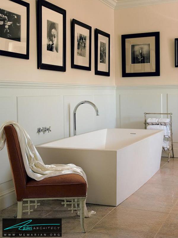 حمام کلاسیک با تابلو های روی دیوار -دکوراسیون حمام لوکس و جدید