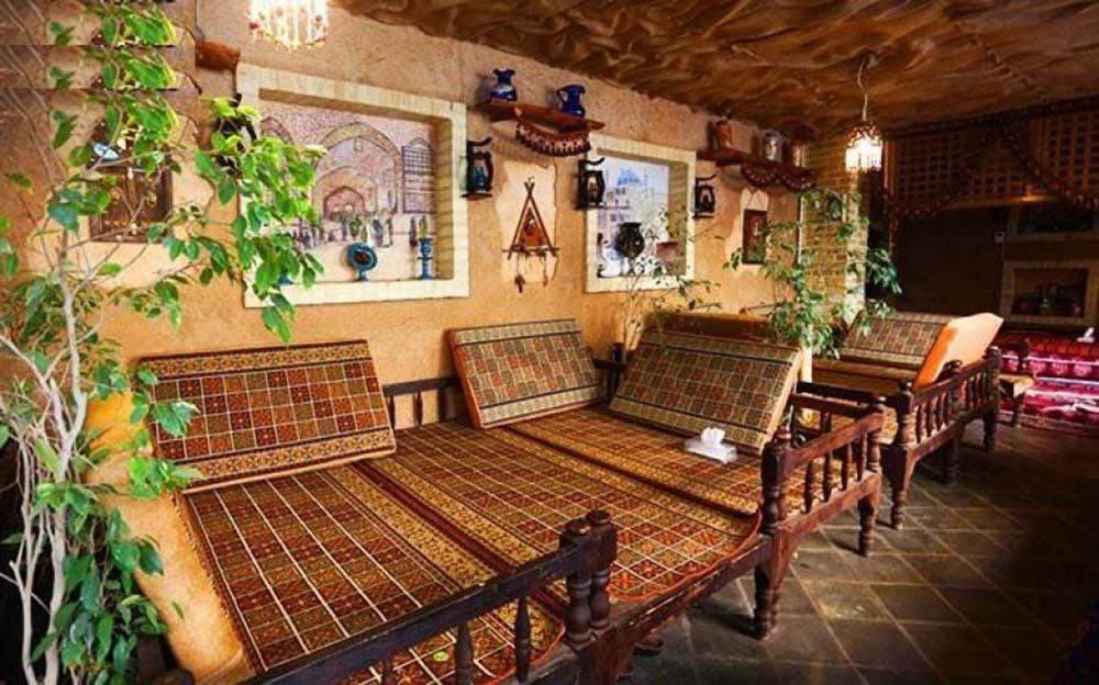 طراحی داخلی سفره خانه سنتی با استفاده از سبک ایرانی