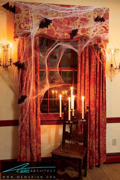 لباس هالووین بر تن پنجره-دکوراسیون هالووین