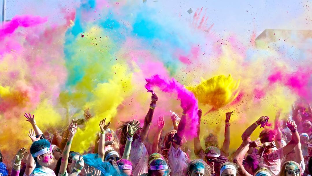 ارتباط با رنگ و هارمونی رنگ ها چیست؟ و رنگ درمانی چه تاثیراتی دارد؟