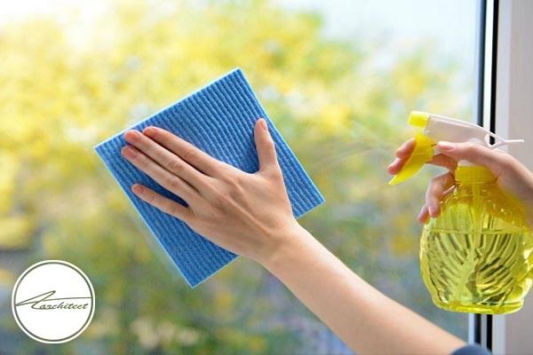 تمیز کردن شیشه ها در خانه تکانی -آموزش خانه تکانی