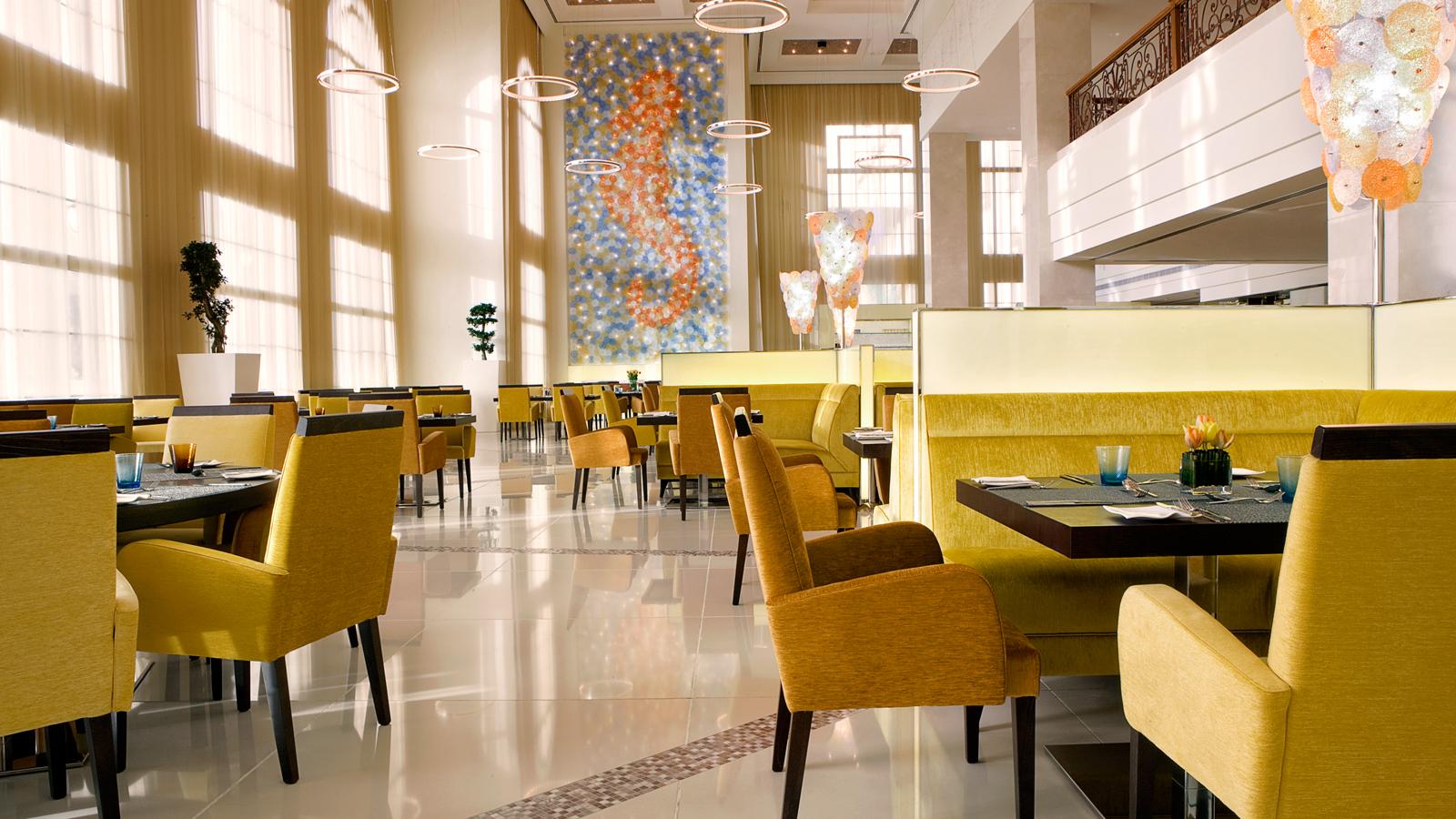 روانشناسی رنگ ها در طراحی داخلی رستوران
