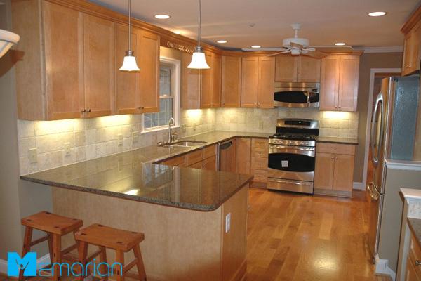 آشپزخانه اوپن دار به همراه کابینت مدرن