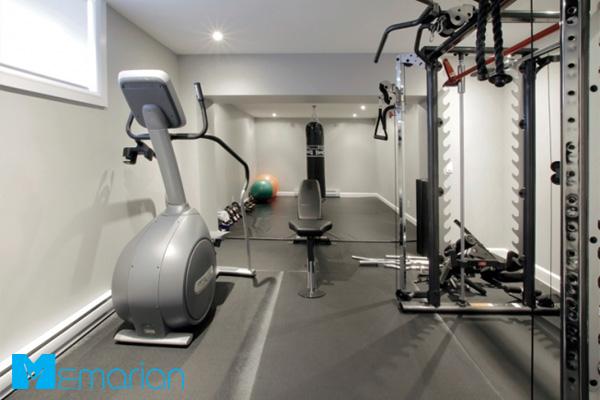 استفاده از تجهیزات جانبی در دکوراسیون سالن ورزشی