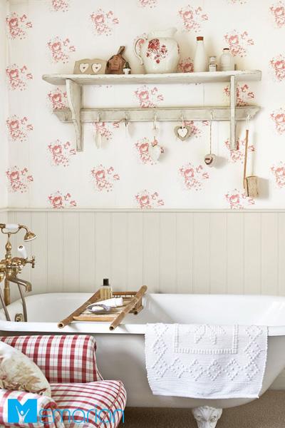 استفاده از کاغذ دیواری پوشیده شده از گل های رز زمانتیک
