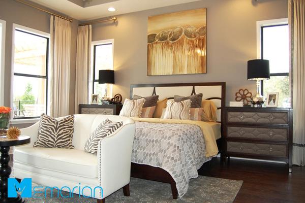 رنگ طلایی در اتاق خواب خانه