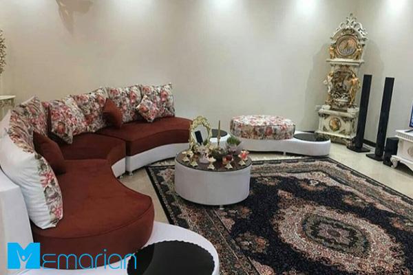 چیدمان هال ایرانی با فرش های جذاب ماشینی
