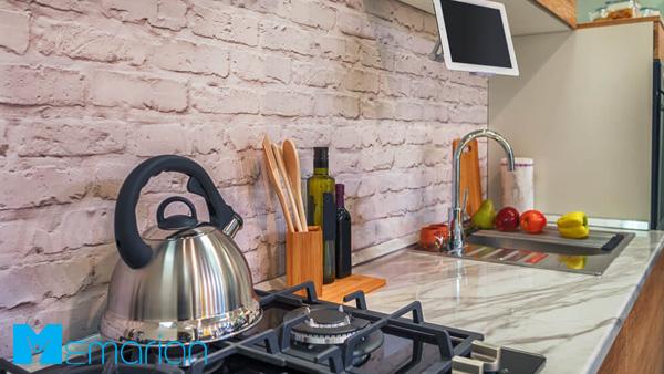 فضای آشپزخانه به کمک آجری روستایی