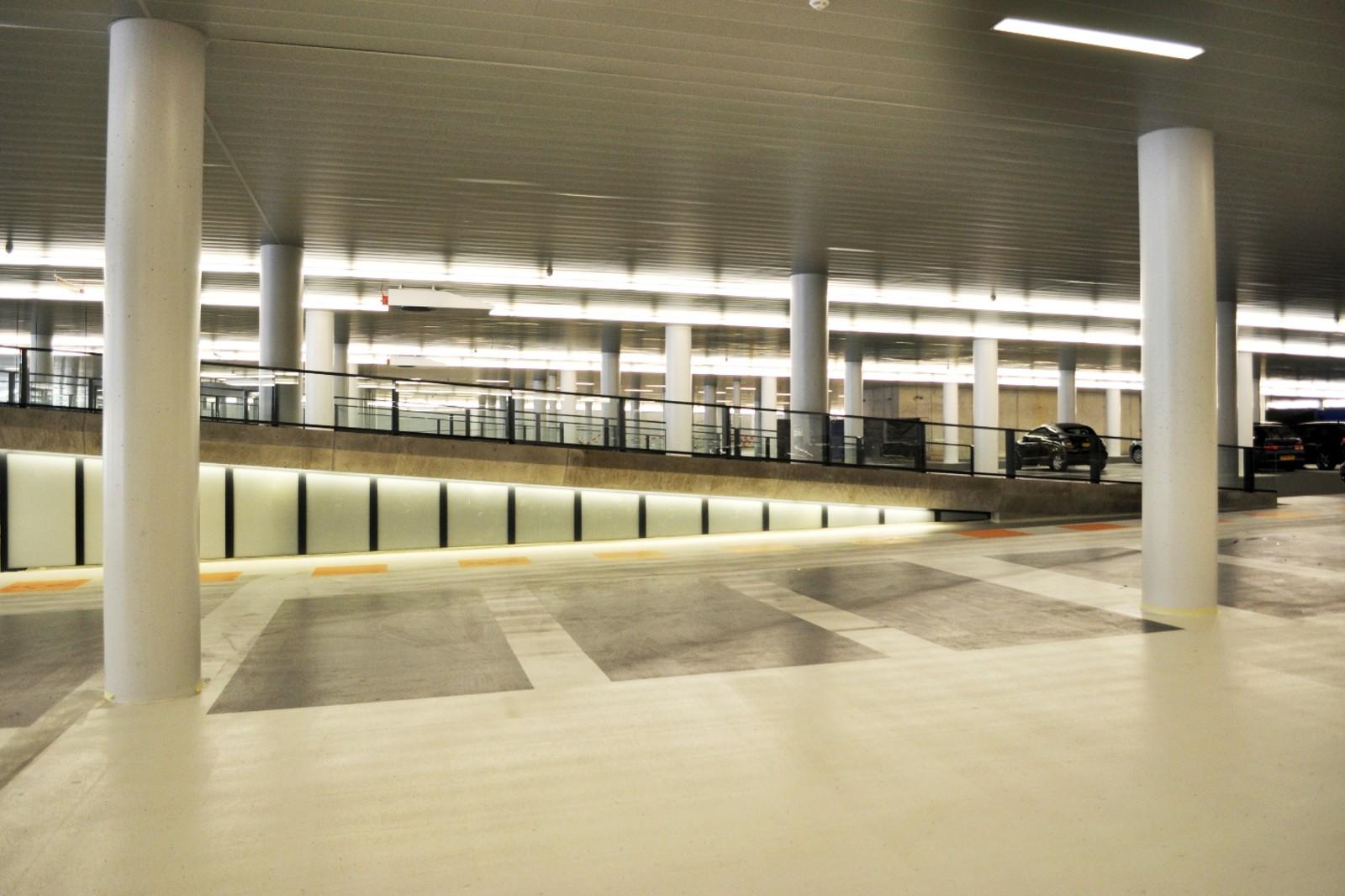 طراحی داخلی پارکینگ مدرن به چه شکلی است؟